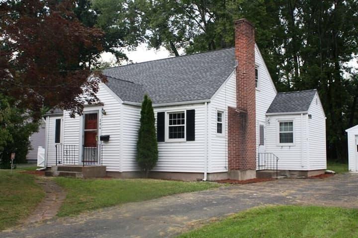 West hartford 2bd 1bath house