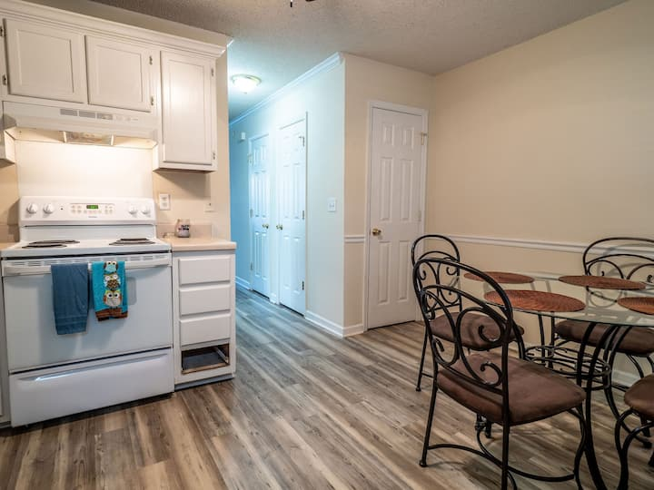 Cozy, Charming 2bd Townhome