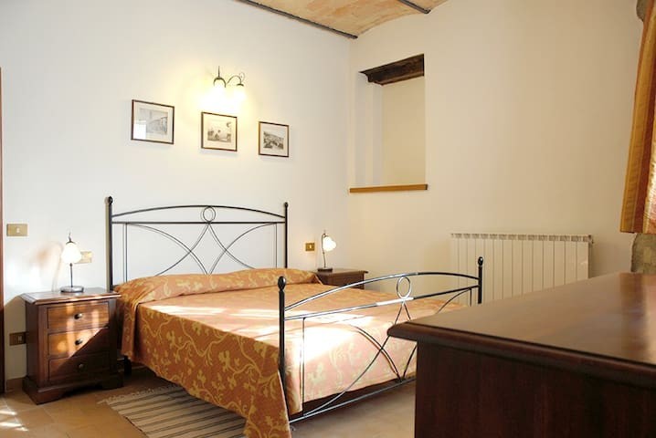 Fiordaliso: apartment superior in villa with pool - Ponte Felcino - Flat