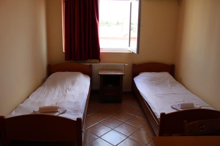 Soba br.6 za sa 3 osobe bez doručka