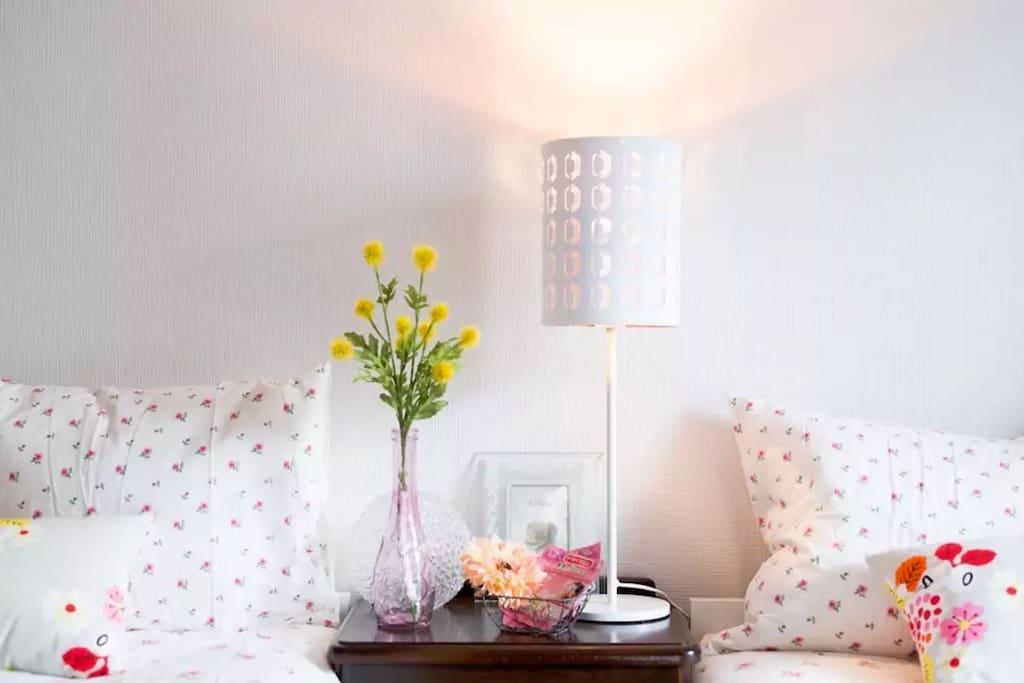 SWEET & Warm light beside the bed