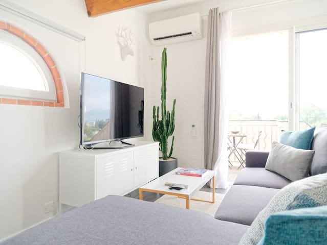 Cannes, atypical studio, sea view, air conditioned - Канны