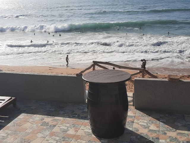 Cabanon a louer a dahomy bouznika face à  la mer