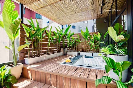 OLD QUARTER/PENTHOUSE/PRIVATE JACUZZI