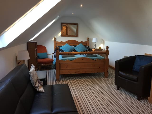 Loft Room above detached garage Sleeps 2 & 1 child