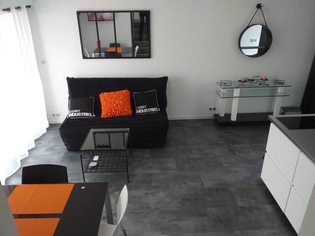 Duplex rénové et moderne, vue mer de la terrasse