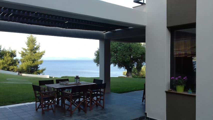 Yanna's house- next to the beach - Paliouri - Villa