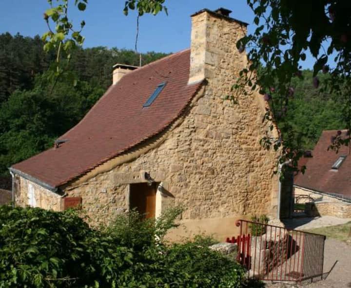 Bâtisse en pierre au cœur du Périgord Noir