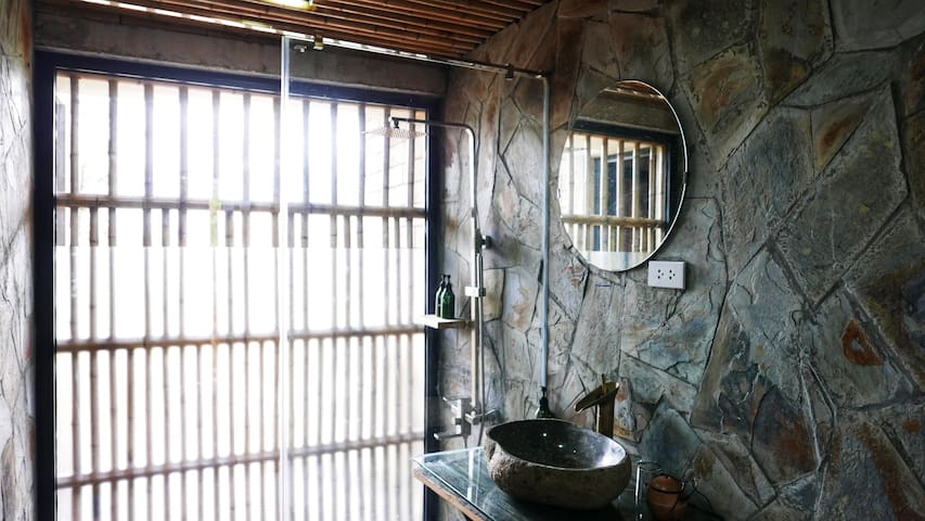 A peaceful and relaxing time at Sapa Mountain Eco Lodge. Lots of charm and surrounded by nature. What's more, when taking a shower, watching the outside space through the frosted glass.