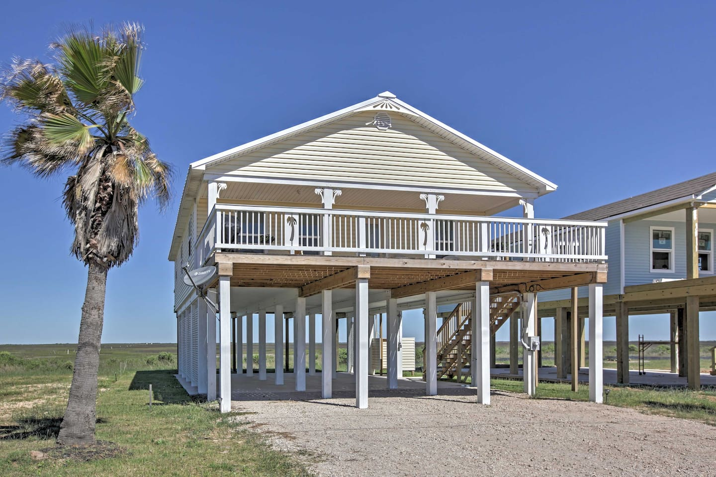 Escape to the beach in this 3-bedroom, 3-bath Surfside Beach vacation rental.