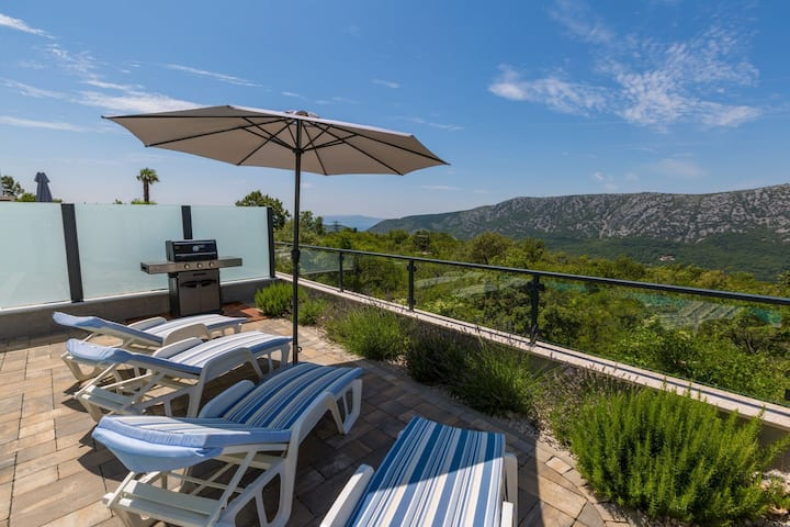 Four bedroom House, in the countryside in Grižane, Outdoor pool
