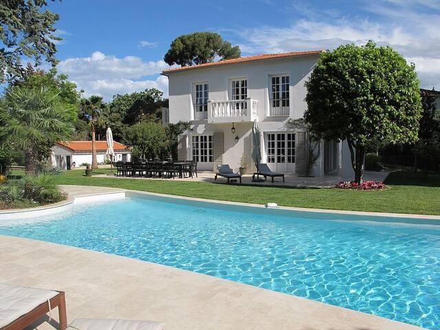 Luxurious Villa w/ Garden and Large swimming pool - Antibes - Villa