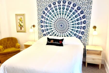 Hotel Woodstock - Starflower Suite