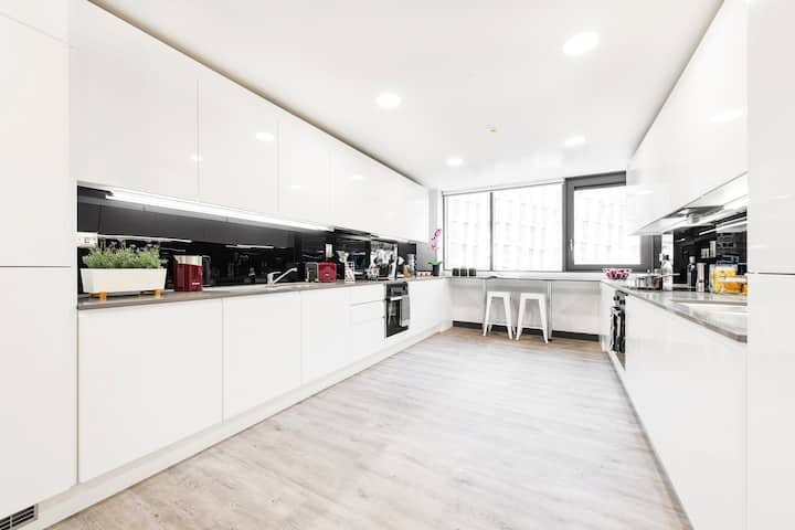 4 Bedroom Apartment - New Mill