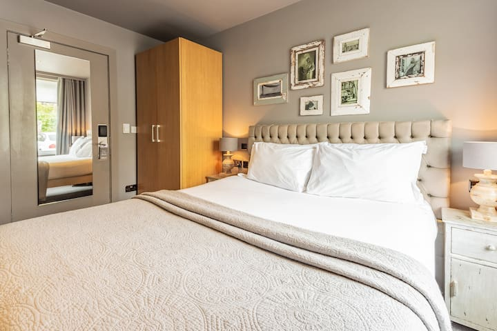 The Murrayfield Hotel & House, Cosy Double Room