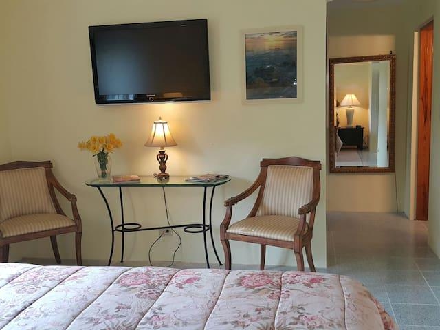Cozy One Bedroom Apartment in Warwick