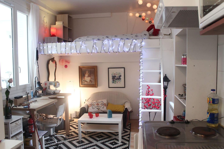 Salon & chambre mezzanine Living-room & mezzanine bedroom