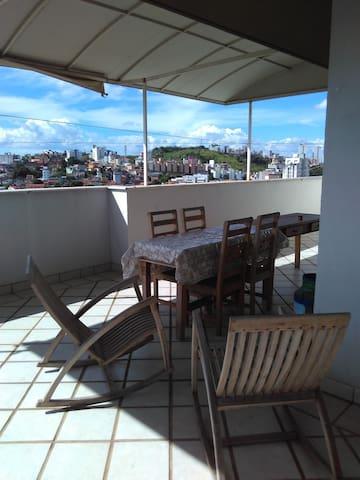 Linda cobertura. Ótima localização. - Belo Horizonte - Apartament