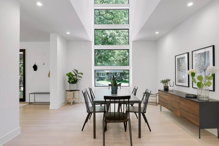 Luxury Wayzata Home with a View