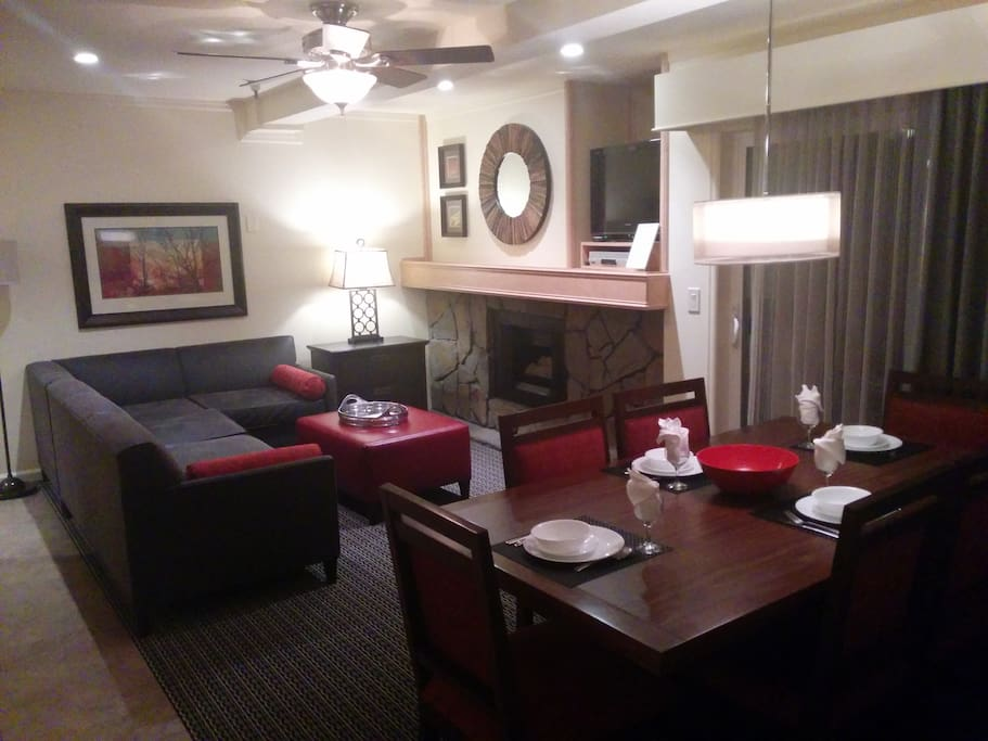 Living room and dining area, from my stay in December 2014