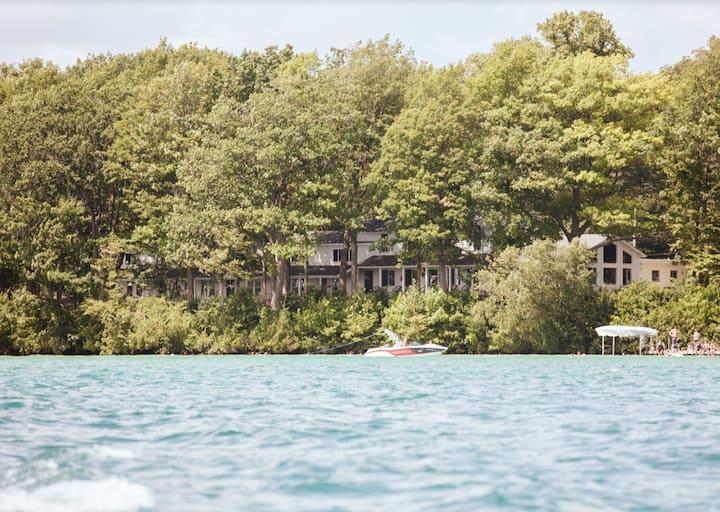 Elk Lake Accommodation - 44