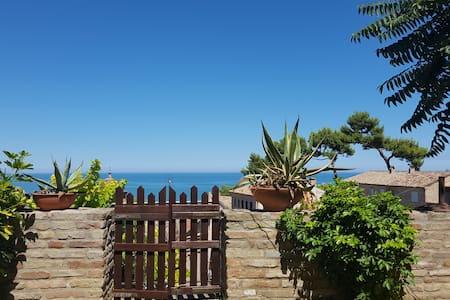 Casa indipendente con giardino a Cupra Marittima - Cupra Marittima
