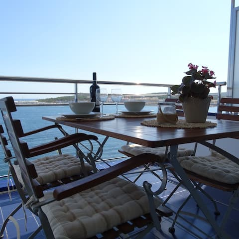 Apartment in l'Escala with the best view!