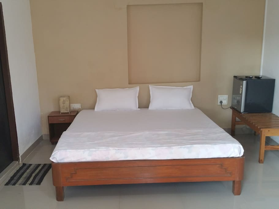 KING BED WITH BALCONY
