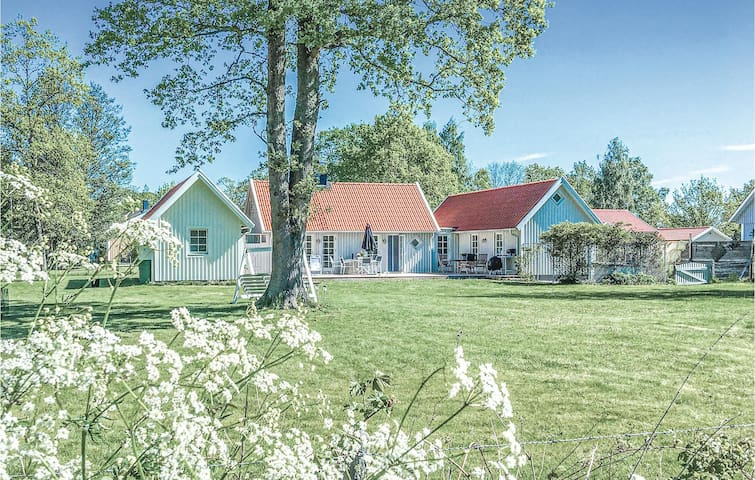 Holiday cottage with 4 bedrooms on 88m² in Löttorp