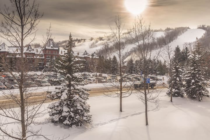4 Bedroom Condo | 10 guests | close to ski lift