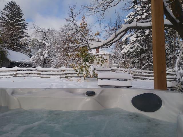Blue Mountain Ski and Hot Tub
