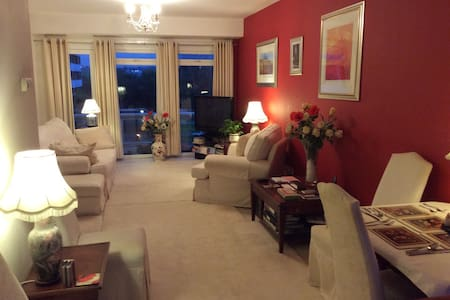 5/8 min.NR.CITY / UNI . PRESTIGIOUS  LUXURY Apt.