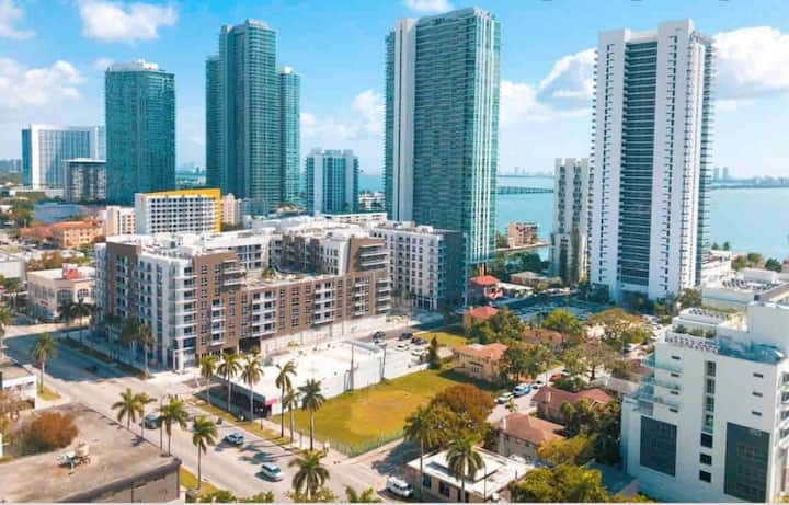 Midtown Miami luxury home  w/ Free Parking