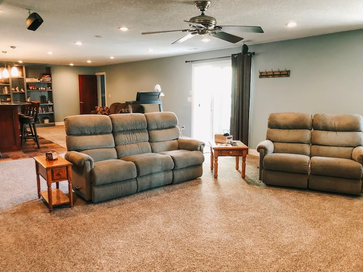 Large private walkout basement apartment
