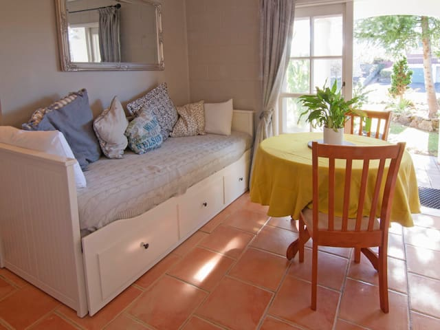 Charming guest suite with self check in & BBQ area