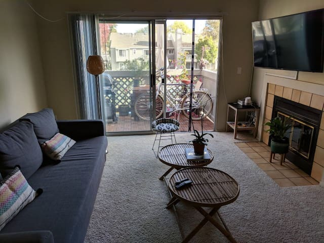 Cozy and adorable place. Bay Area, great location!