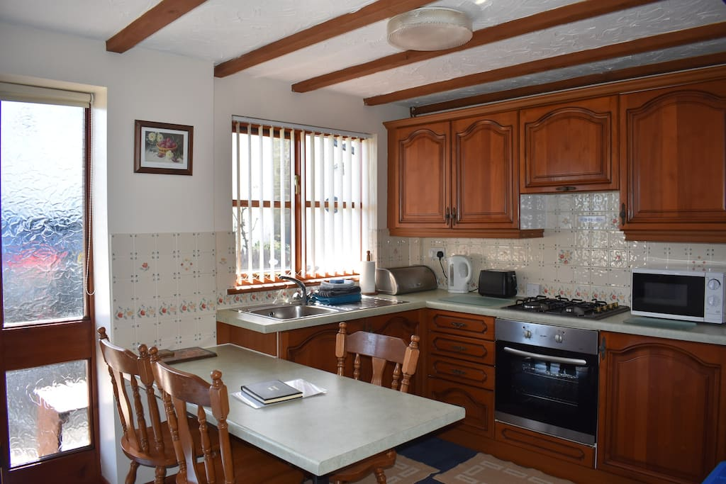 Sunrise Cottage has a full-size oven and hob, fridge, microwave and plenty of chinaware, cutlery, pots and pans to cater for 3 people.