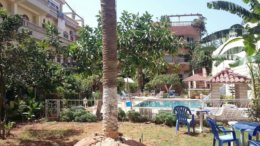 APPART.F1/F2/F3 JARDIN  PISCINE - Aïn El Turk - Lägenhet