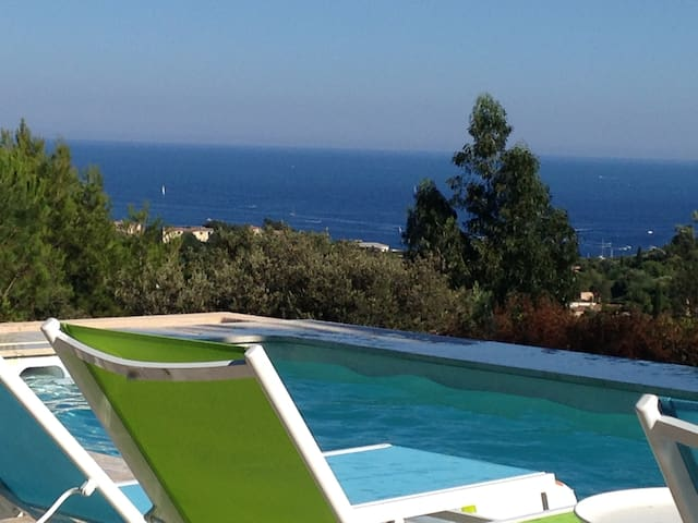 Villa in Cavalaire - Sea view - 28°C heated pool - Cavalaire-sur-Mer - Villa