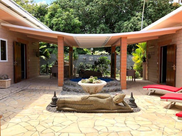 Studio Moonlight - Punaauia - Tahiti - piscine - clim & Wi-Fi - 2 pers