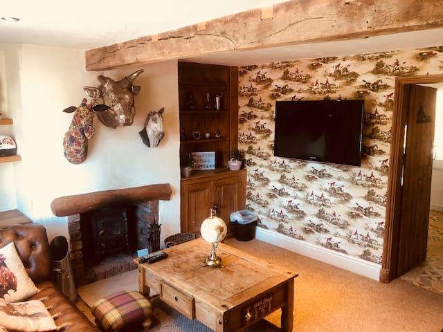 Cozy Cheshire Cottage