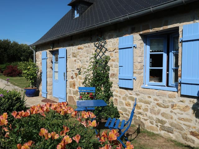 60 m² Holiday home in Crozon
