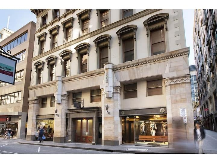 238 Flinders Lane - Comfy CBD - Perfect Location!