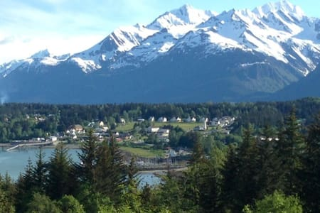 Mountain Ocean View Surrounded by Habitat - Haines