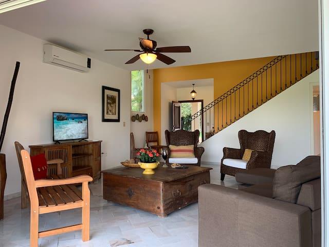 3Bed/2.5Bath Beach Villa For 8