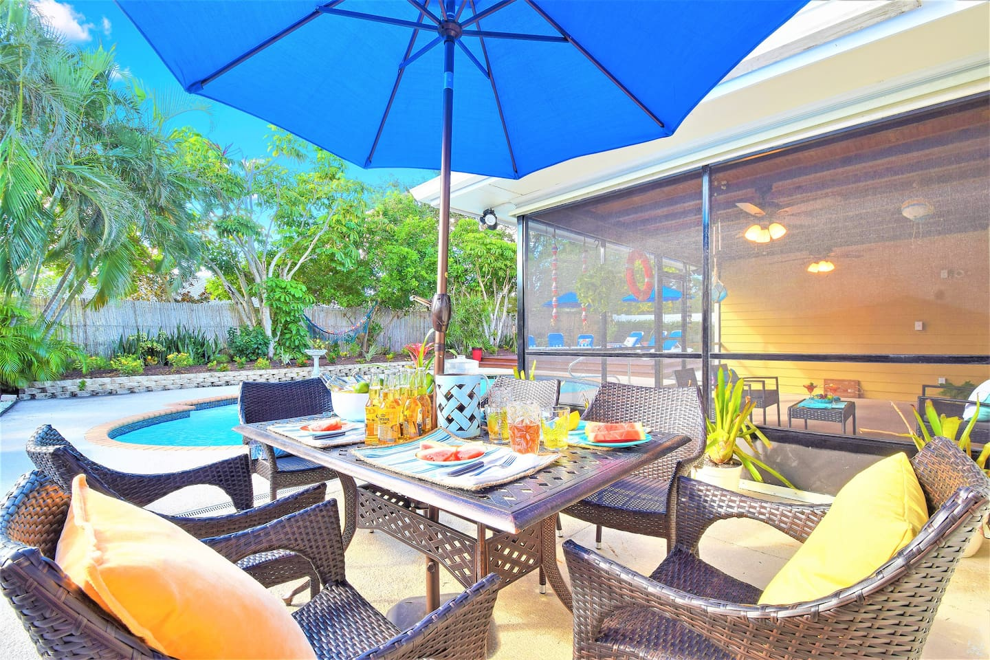Villa Paradiso near PGA Blvd with a large pool - Villas for Rent in ...