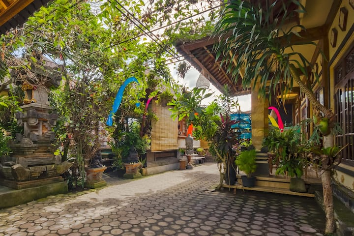 1Br wood in  Balinese Home Environment Ubud