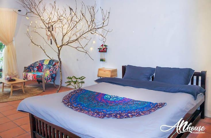 Local family homestay near hanoi old quater