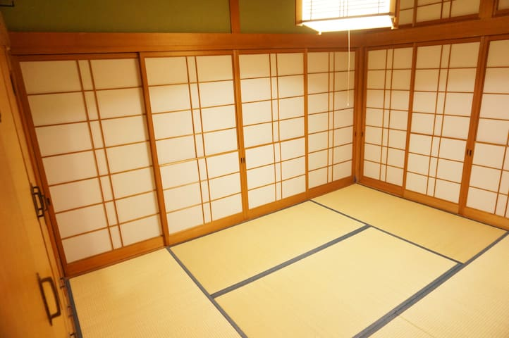 2018年OPEN! Japanese style room (can be locked)鍵付和室