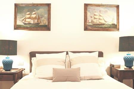 B&B Casa Chinaski - La Cassata room - ปาแลร์โม่
